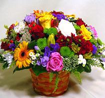 Virágposta - Ragyogó virágkosár rózsákkal