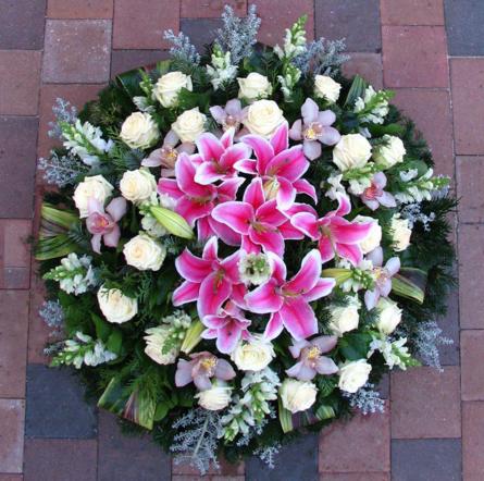 Virágposta - Koszorú rózsaszín liliomokkal