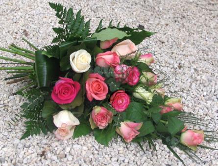 Virágposta - Sírcsokor rózsaszín rózsákkal