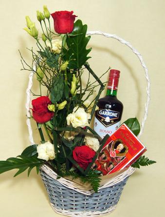 Virágposta - Ajándékkosár Garrone-val és Mozarttal