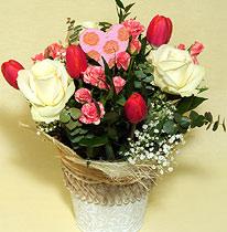 Virágposta - A szeretet üzenete - fehér rózsákkal