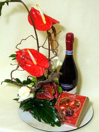Virágposta - Virágtál pezsgővel és marcipánnal