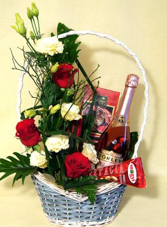 Virágposta - Ajándékkosár rozé pezsgővel