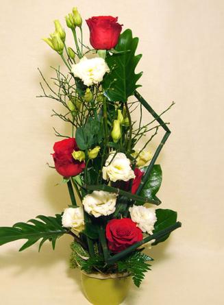 Virágposta - Virágtál vörös rózsákkal
