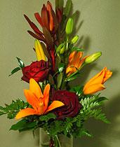 Virágposta - Narancs liliomok rózsákkal