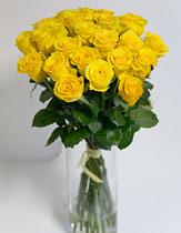 Virágposta - Sárga rózsák kerek csokorban, 60 cm-es rózsából kötve