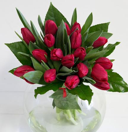 Virágposta - Szereted-e még? Piros tulipán csokor