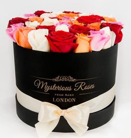 Virágposta - Rózsák hengerdobozban, 40 szál