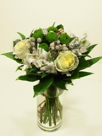 Virágposta - Karácsonyi köszöntés fehér rózsákkal - ajándékcsokor