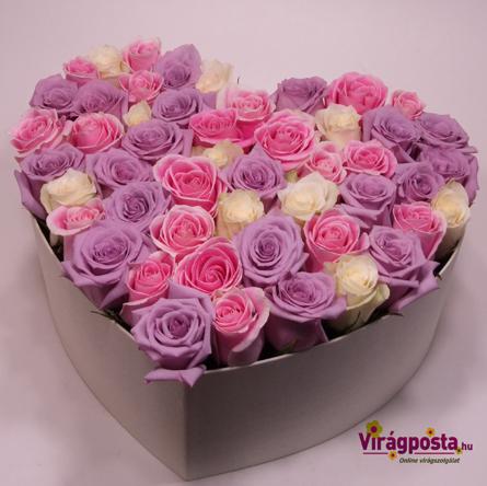 Virágposta - Szív rózsadoboz lila rózsákkal