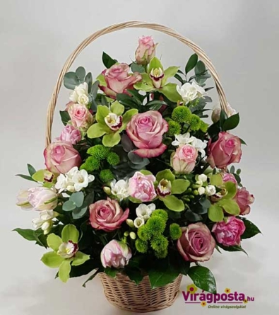 Virágposta - Ünnepi Virágkosár rózsaszín rózsákkal és orchideákkal