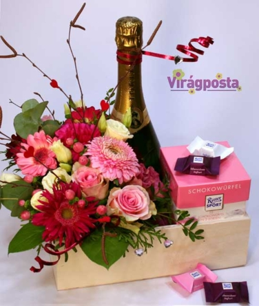 Virágposta - Rózsaszín, de nem álom! - Virágtál pezsgővel és csokival
