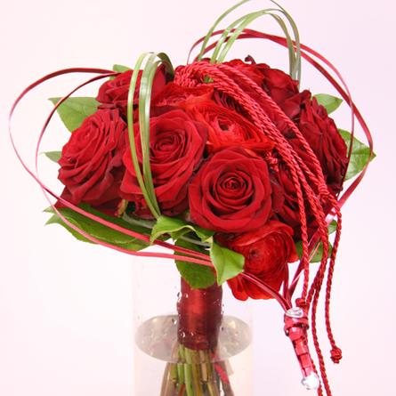 Virágposta - Virágszív vörös rózsákkal